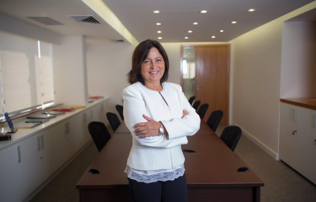 'Delivery de tudo' e comércio eletrônico estão sustentando empresas na pandemia, avalia Claudia Bittencourt