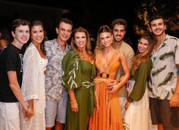 Mariana Pinto celebra aniversário com a família nas Dunas