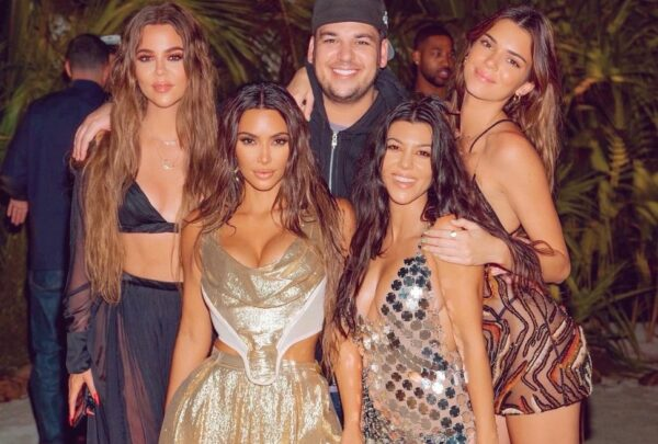 Kim Kardashian festeja aniversário de 40 anos em ilha particular na Polinésia Francesa