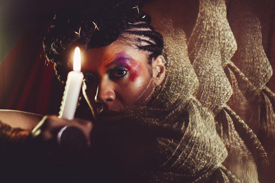 Lorena Nunes lança álbum 'La Mar' com cigania de ritmos e símbolos