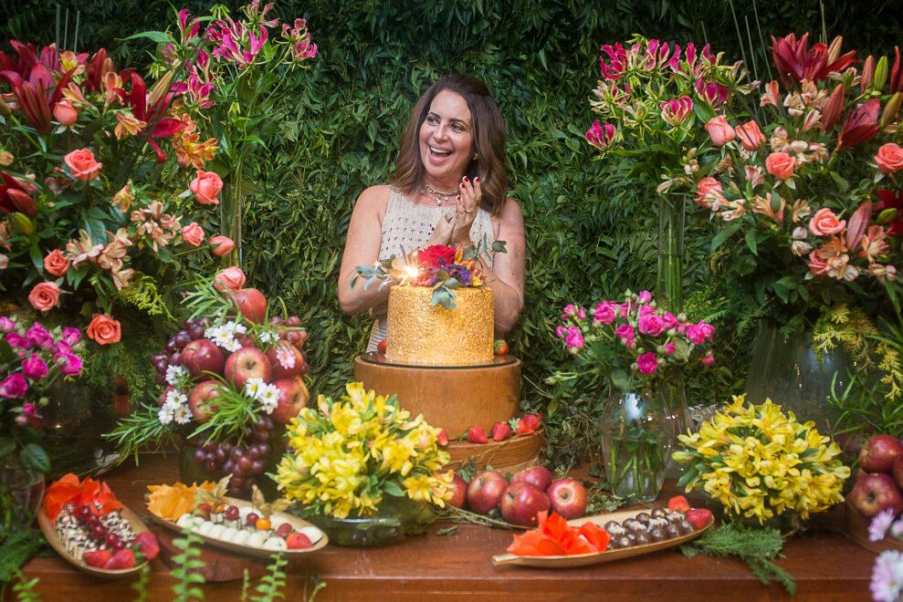 Márcia Andréa comemora aniversário com almoço especial ao lado das amigas