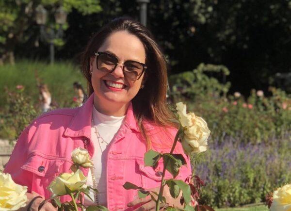 Erika Girão indica série da Netflix para apreciar Paris