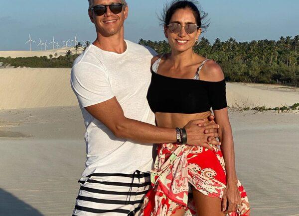 Márcio Garcia curte as praias de Jericoacoara ao lado da esposa