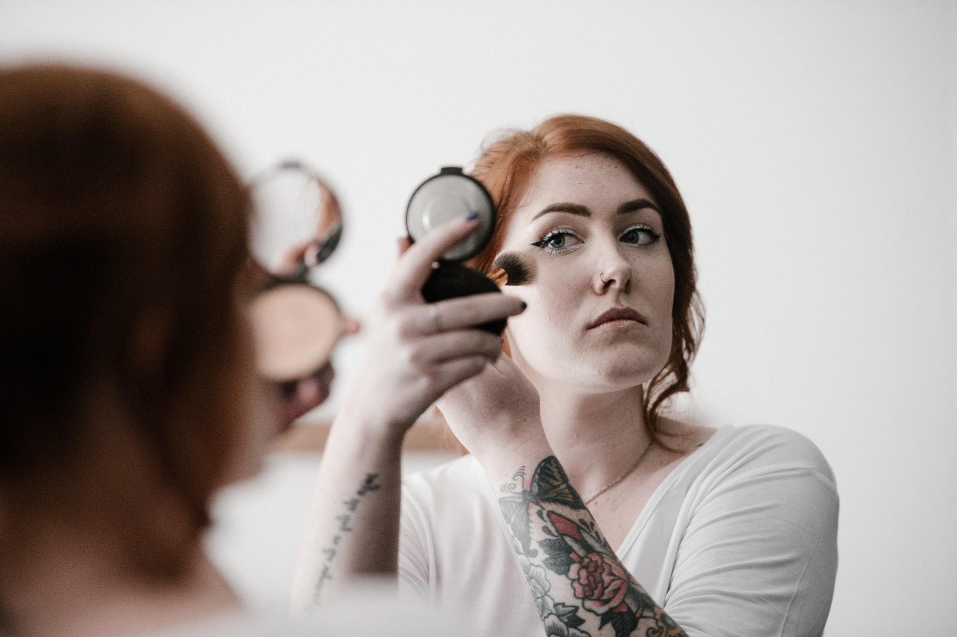 Cinco dicas para fazer a pele perfeita na maquiagem