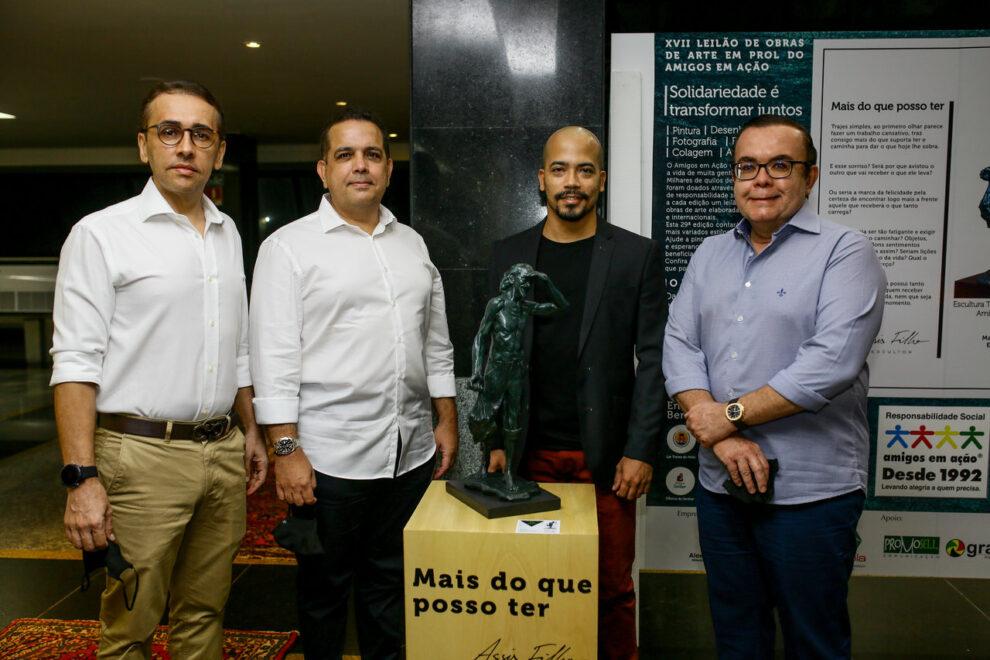 Amigos em Ação abre exposição coletiva com destaque para artista Assis Filho