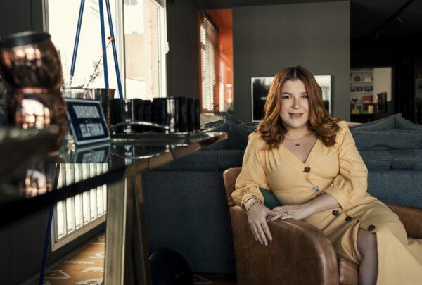 Ju Ferraz indica minissérie da Netflix sobre uma jovem prodígio do xadrez