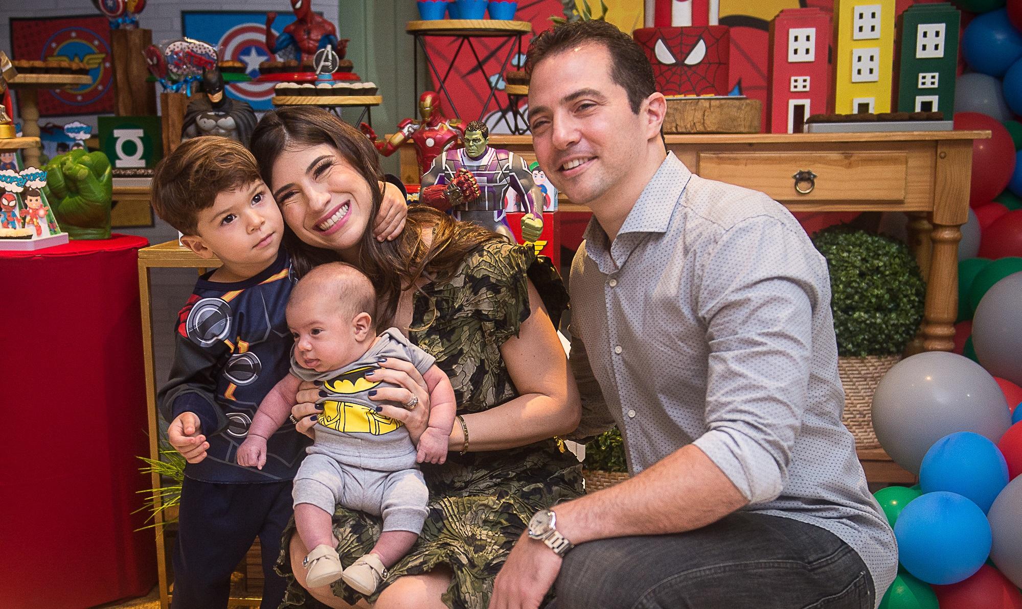 Themis e Roberto Briand comemoram aniversário de três anos do filho com festa temática