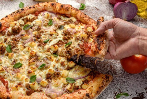 Viggi aposta na pizza napolitana com insumos trazidos da Itália