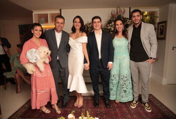 Odara Fernandes e Gustavo de Sá celebram casamento civil
