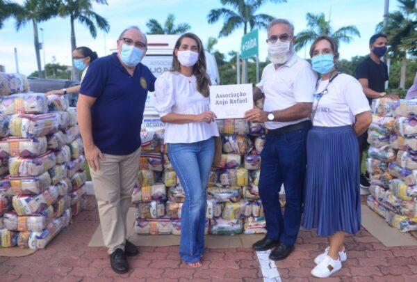 Anjos do Natal 2020: Márcia Travessoni entrega 37 toneladas de alimentos para 20 instituições