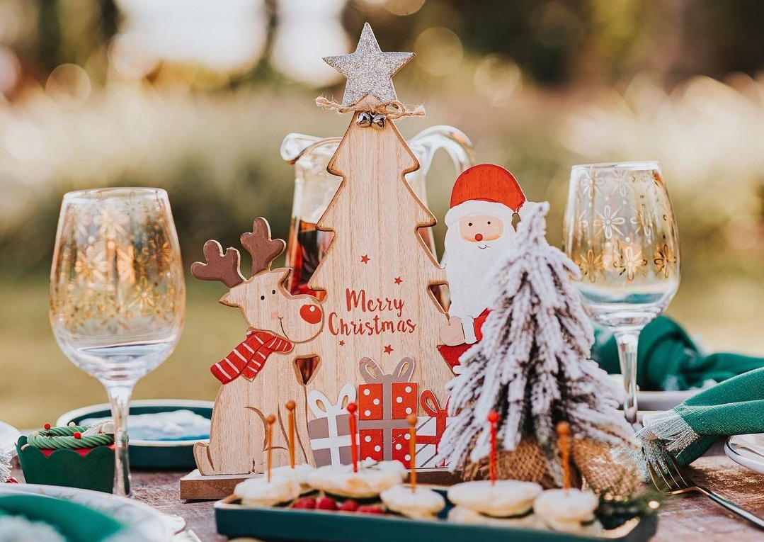 Mesa posta para o Natal: saiba onde comprar itens para a decoração