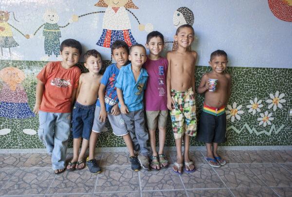 Iprede realiza campanha para arrecadar leite e brinquedos neste Natal