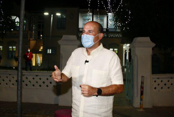 Roberto Cláudio entrega Rua dos Tabajaras e Estoril após requalificação