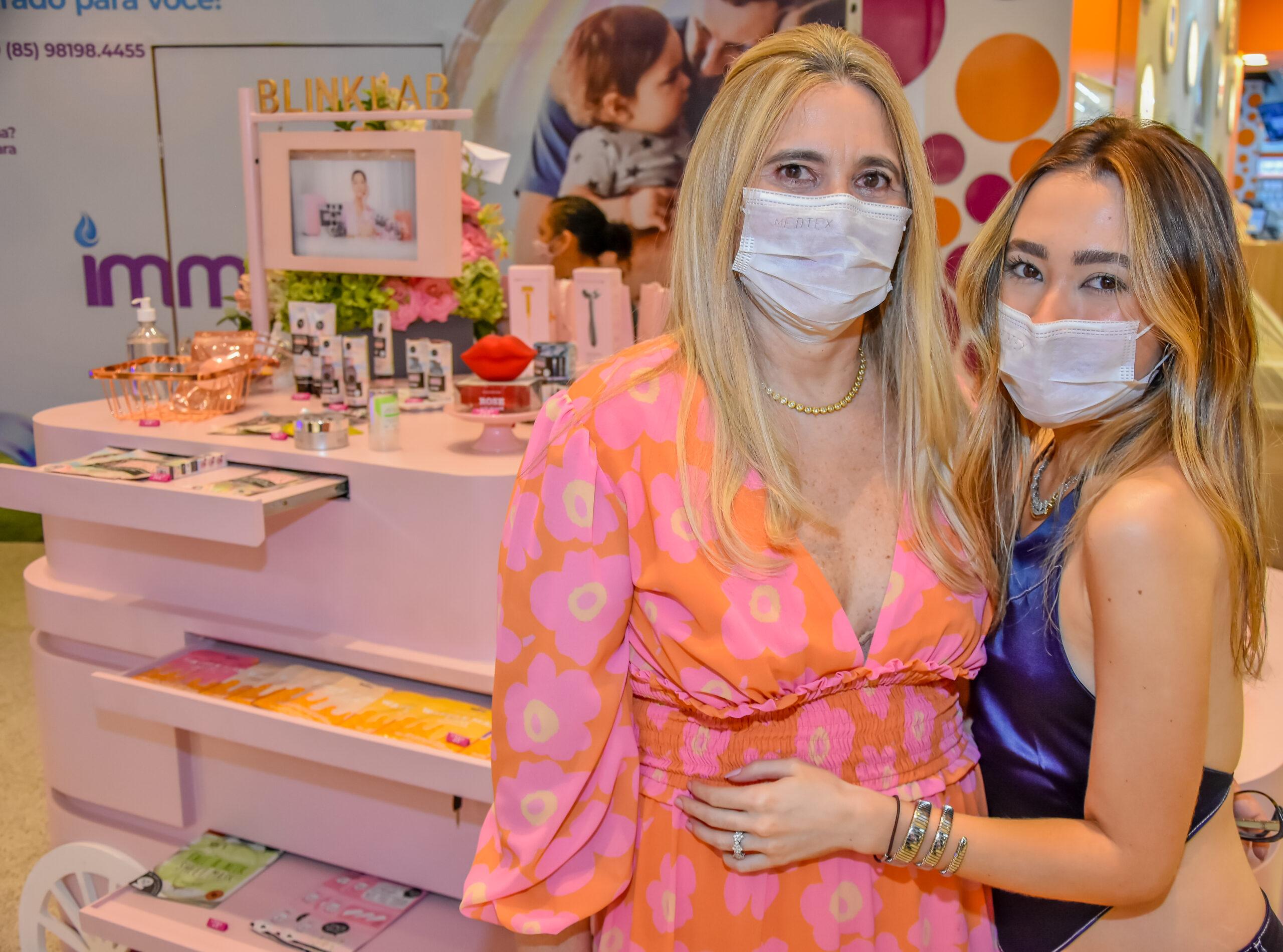 Morgana e Lissa Dias Branco inauguram quiosque da Blink Lab Shop em Fortaleza