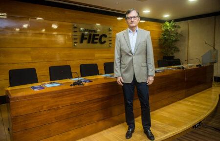 Hélio Perdigão articula ações para equilibrar distribuição de matéria-prima no Ceará