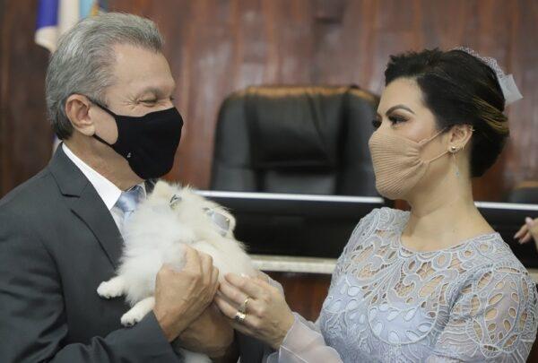 Sarto Nogueira, Élcio Batista e vereadores tomam posse em cerimônia híbrida na Câmara