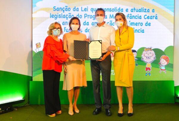 Camilo Santana amplia Cartão Mais Infância; 70 mil famílias serão beneficiadas
