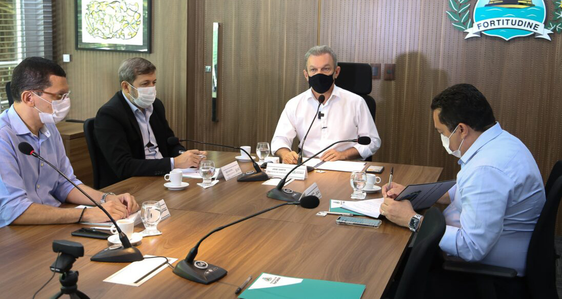 Sarto empossa novos secretários da Prefeitura de Fortaleza