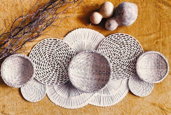 Como montar mandalas de palha e painéis rústicos para decorar a casa no estilo Boho