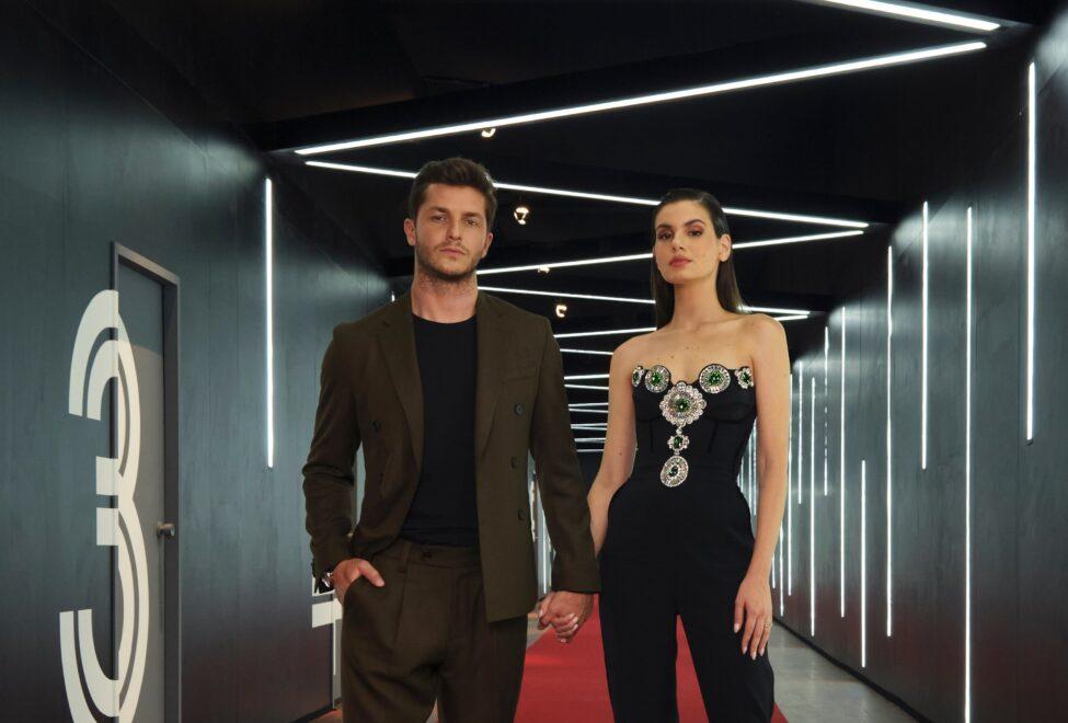 Camila Queiroz e Klebber Toledo comandam versão brasileira de famoso reality da Netflix