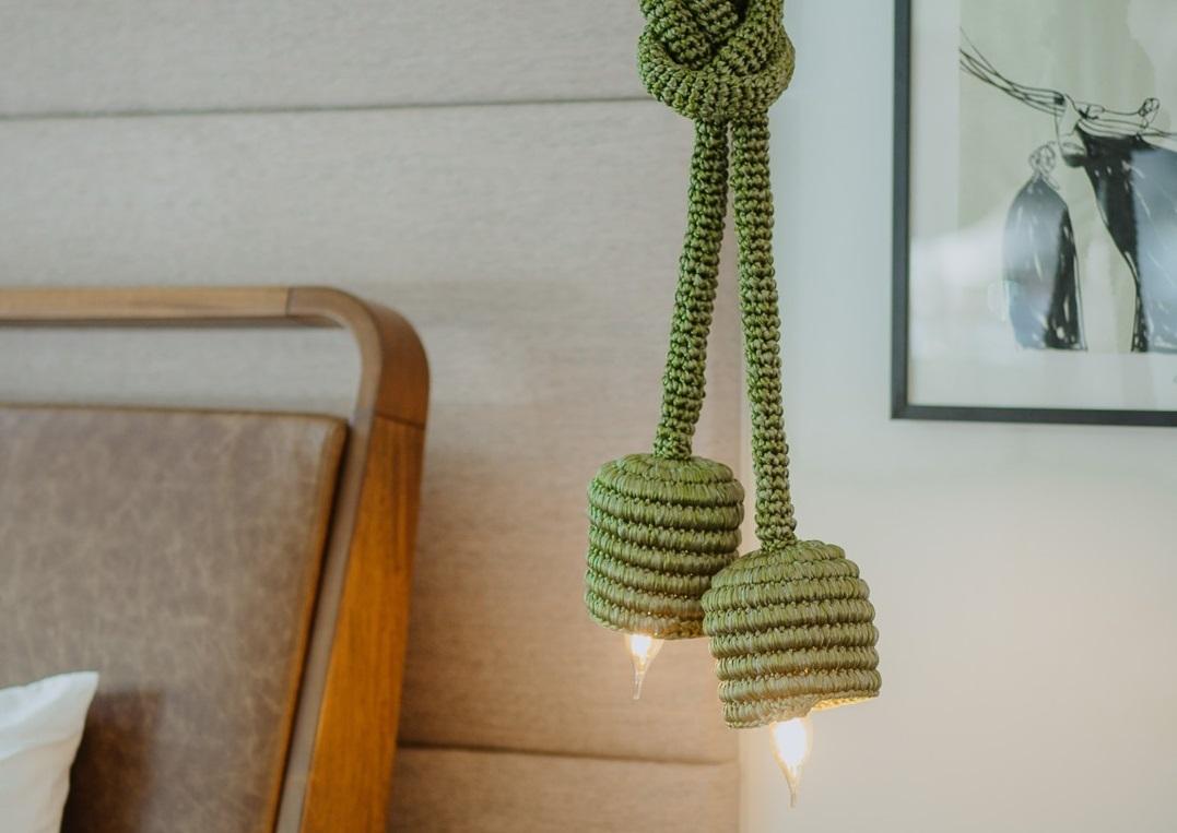 Catarina Mina lança coleção de luminárias que valoriza o artesanato cearense