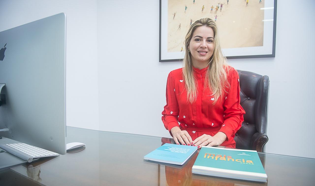 Onélia Santana apresenta ações do Mais Infância para gestores municipais em reunião virtual
