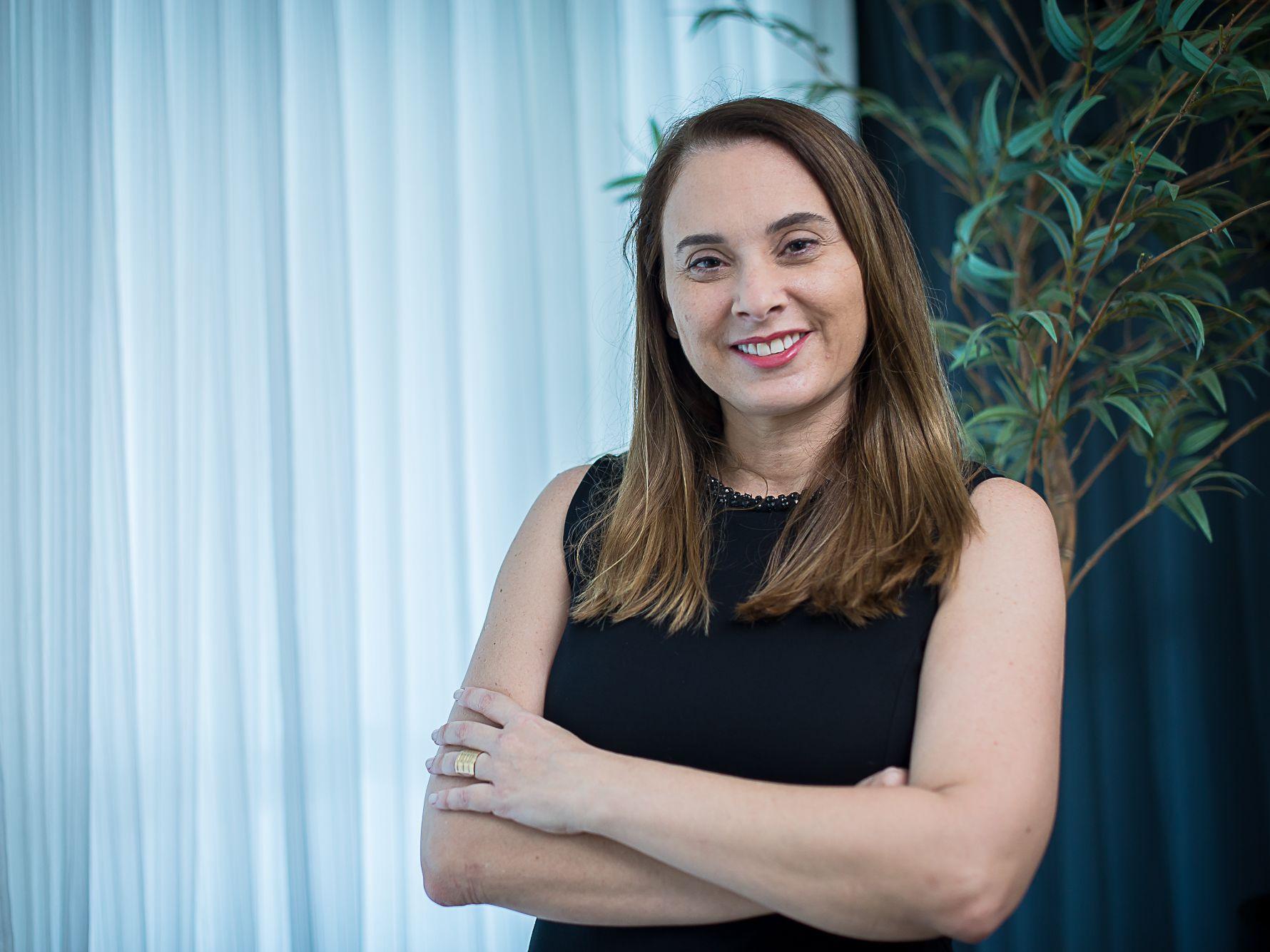 Adriana Rolim integra projeto nacional sobre defesa das mulheres