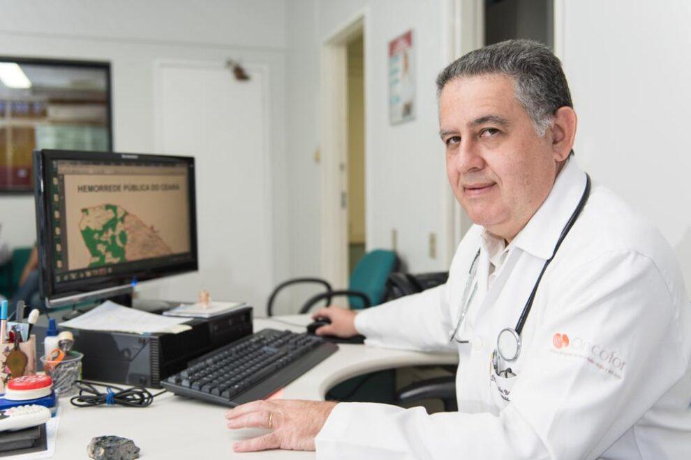 Dr. Fernando Barroso celebra certificação do Walter Cantídio