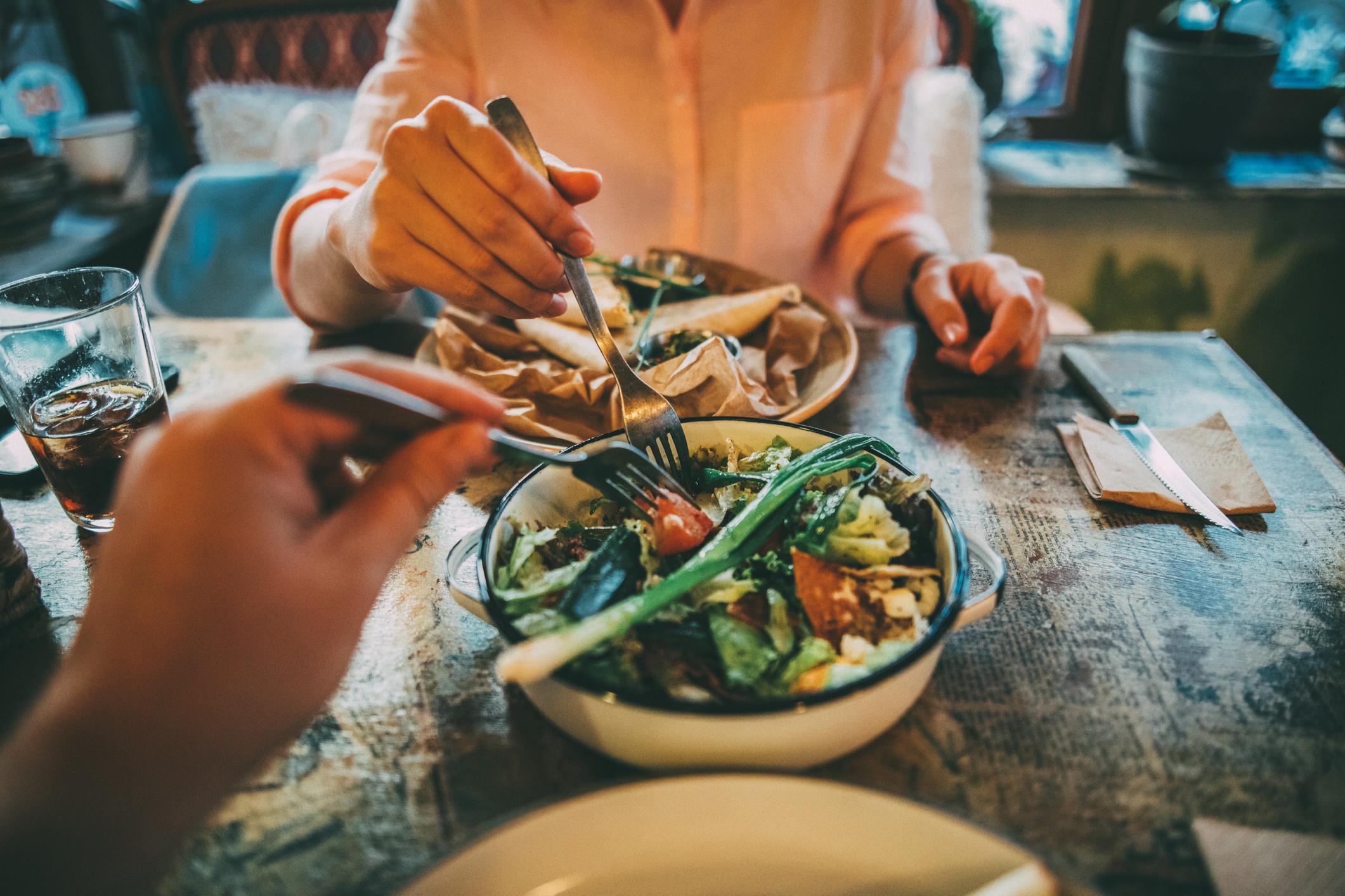 Como preparar um jantar romântico em casa