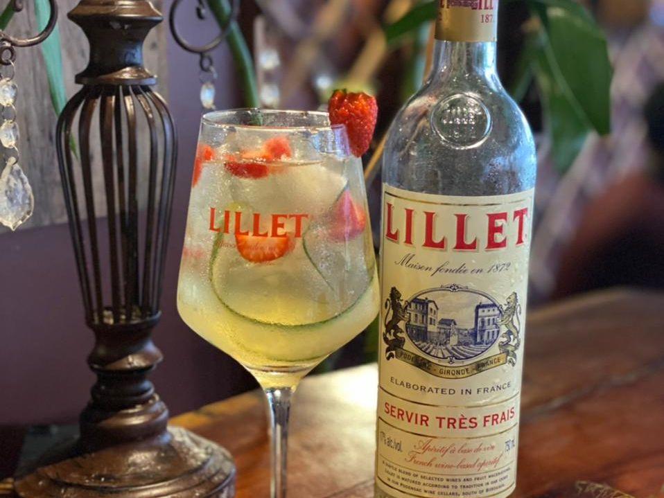 Conheça o Lillet, aperitivo francês perfeito para o calor