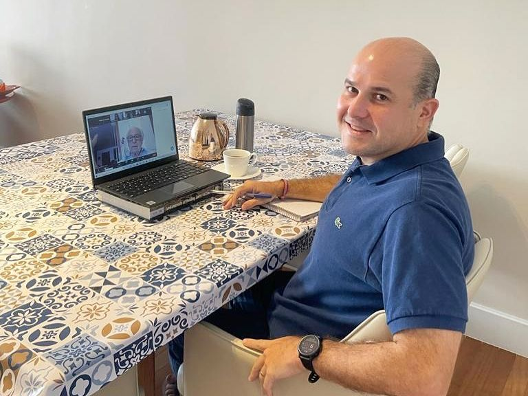 Em São Paulo, o ex-prefeito Roberto Cláudio faz pós-doutorado na Fundação Getúlio Vargas. (Foto: Arquivo pessoal)