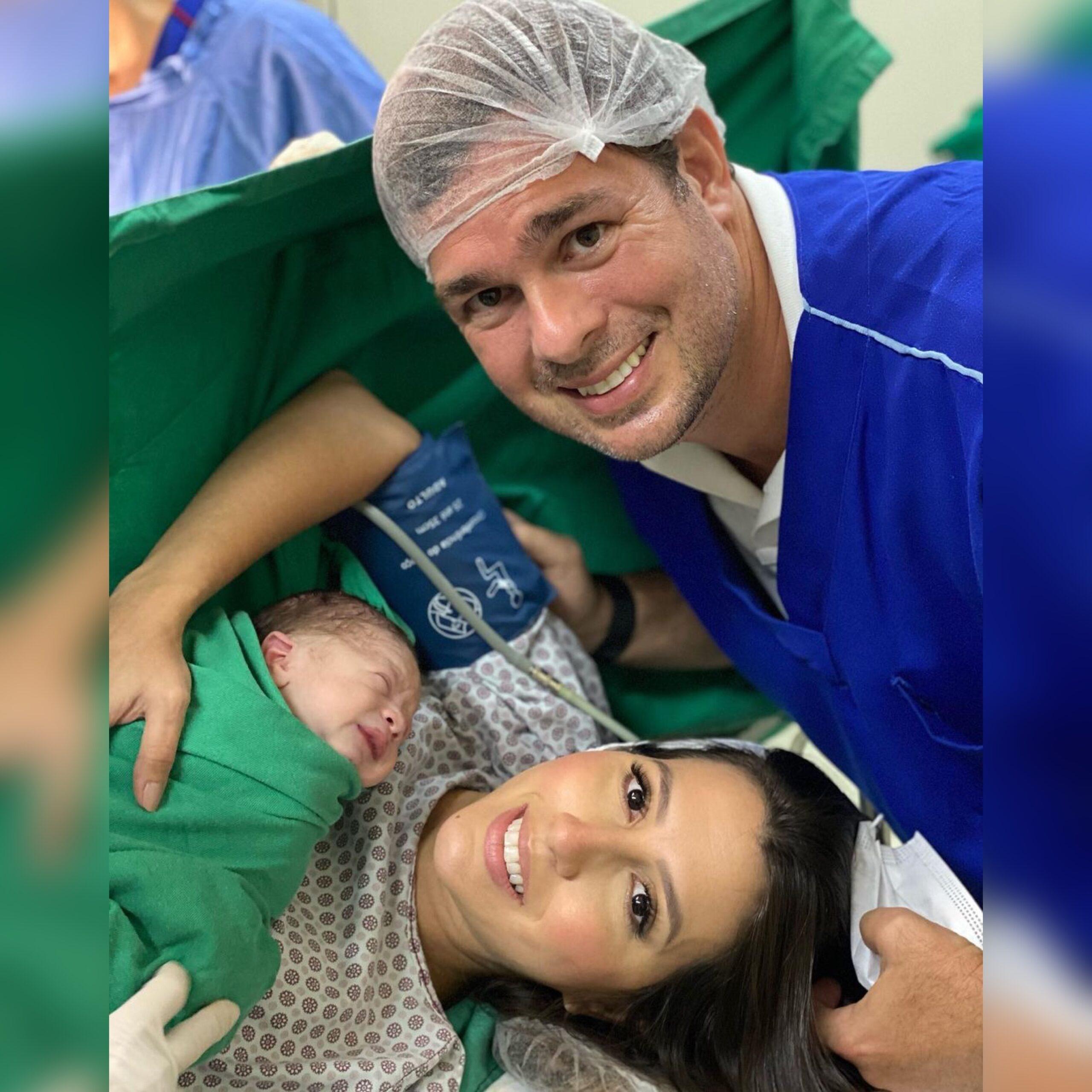 Tayra Romcy e Leonardo Aguiar celebraram o nascimento de Heitor (Foto: Arquivo pessoal)