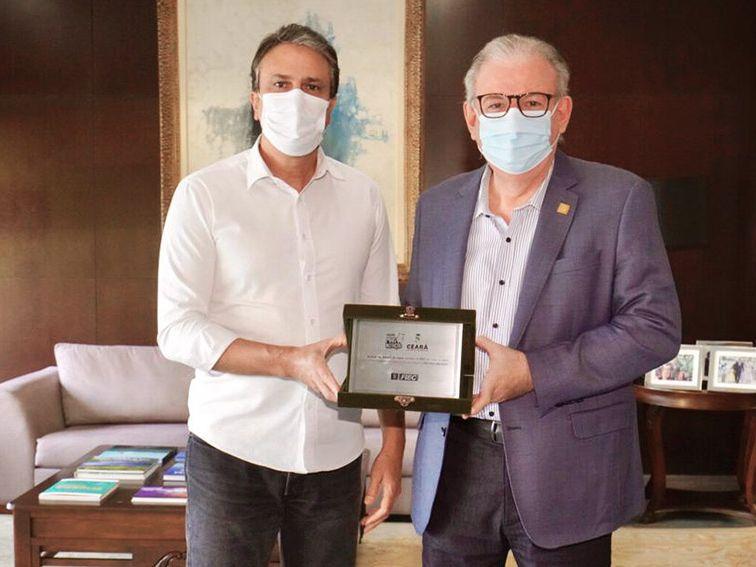 Ricardo Cavalcante é homenageado pelo Governo do Estado