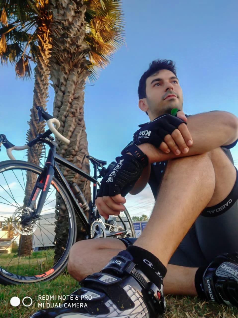Professor se reinventa e cria assessoria online de bike indoor