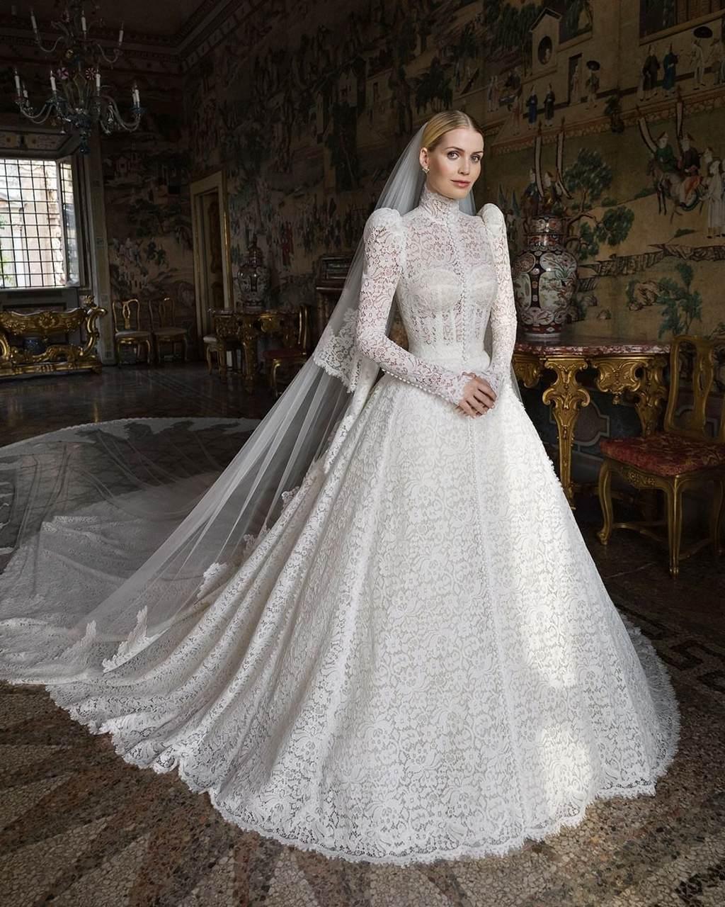 Lady Kitty Spencer, sobrinha da princesa Diana, se casa com milionário na Itália