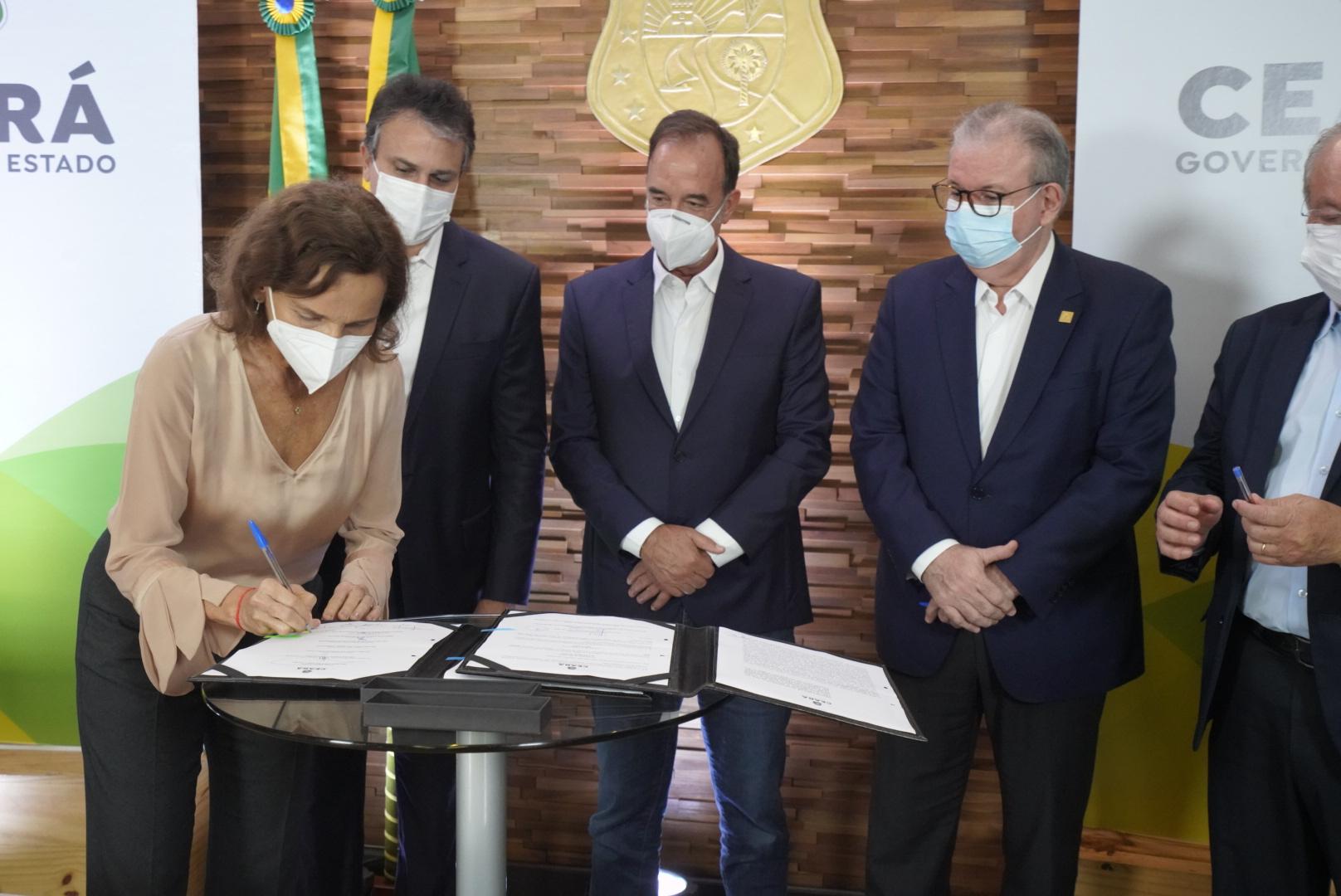 Governo do Ceará deve investir U$ 6,95 bilhões em usina de hidrogênio verde