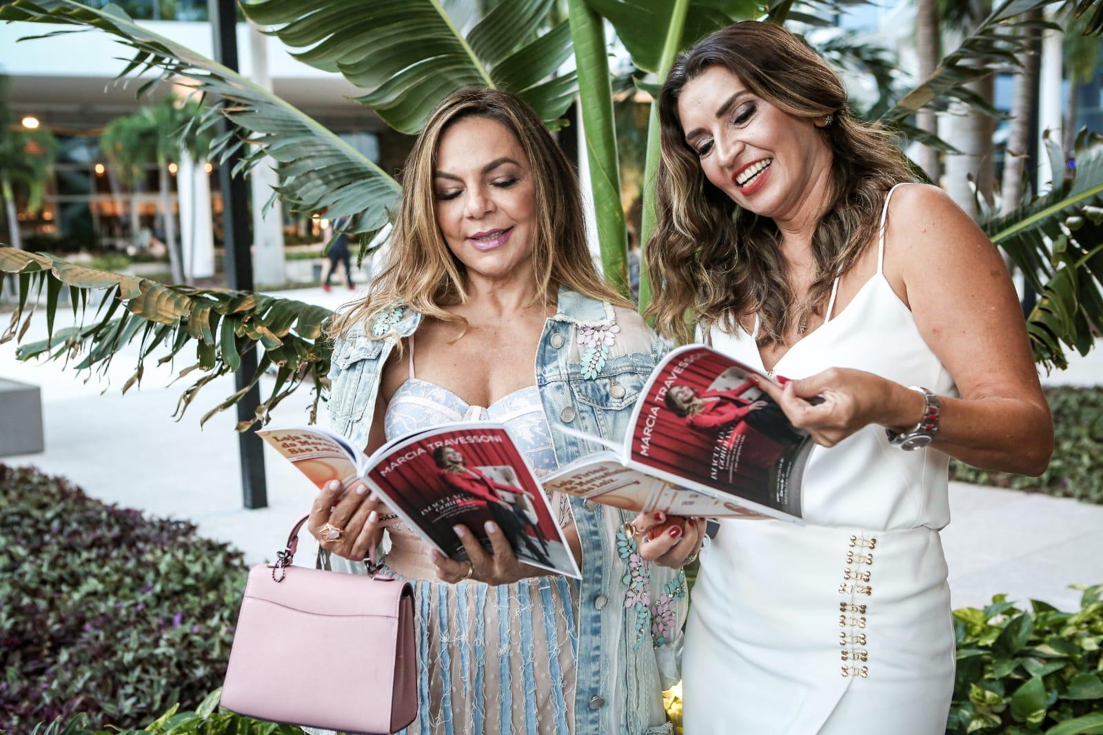 Happy Hour intimista marca lançamento da 16ª edição da Revista Márcia Travessoni; veja fotos