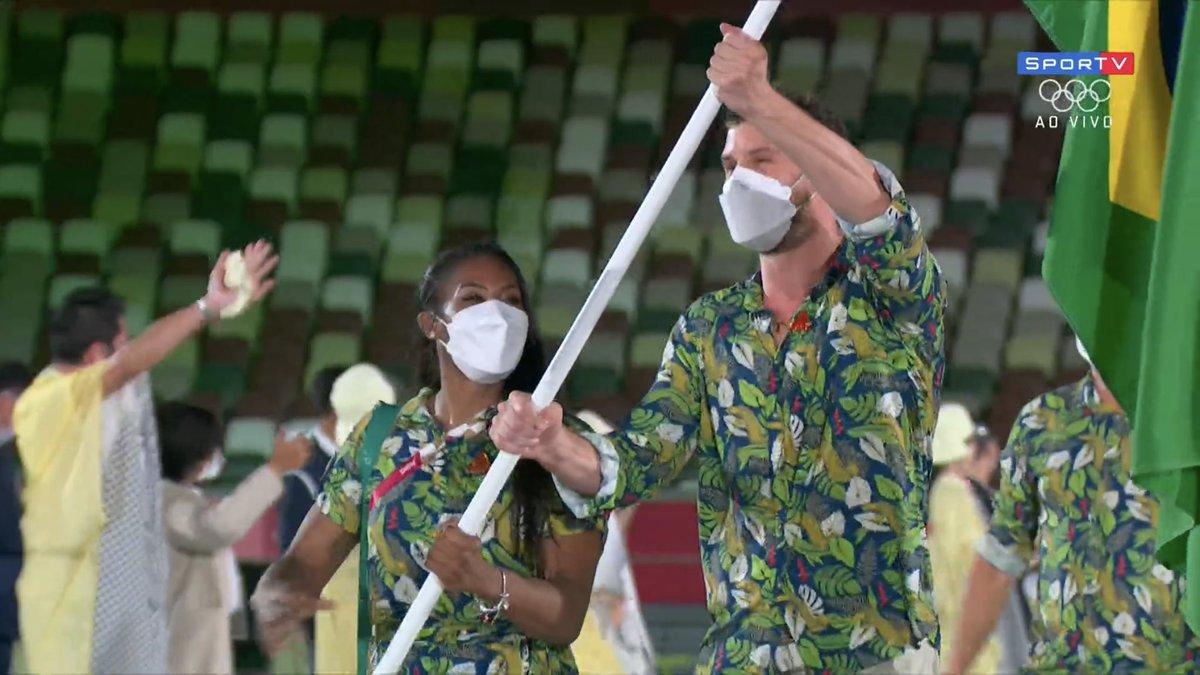 Abertura das Olimpíadas: Ketleyn Quadros é a primeira mulher negra a carregar a bandeira do Brasil
