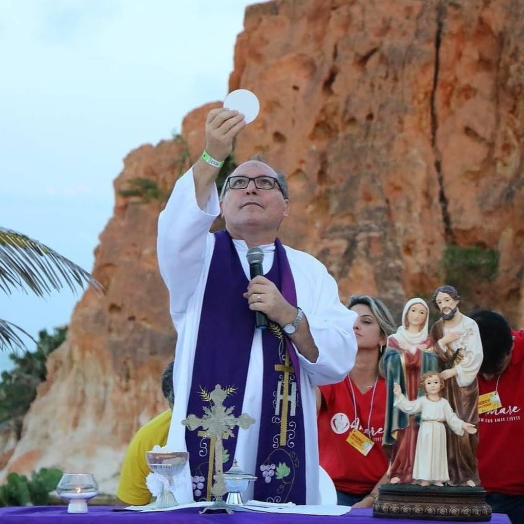 Padre Eugênio celebra 25 anos de sacerdócio