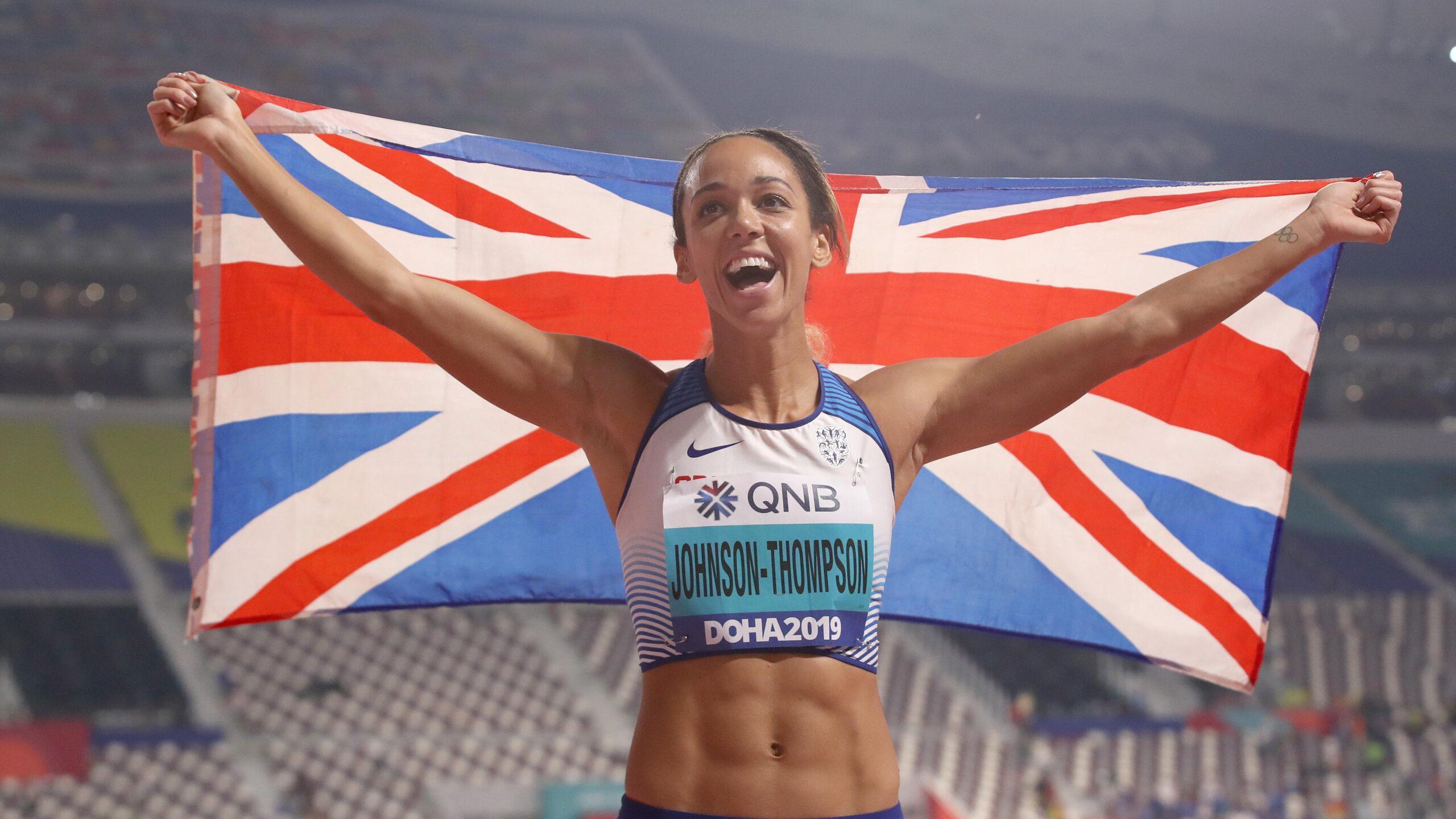 Atleta se lesiona e termina prova mancando; mulheres lideram momentos de superação e empatia nas Olimpíadas