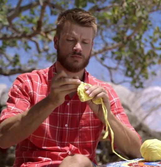 Por que ainda surpreende ver homens fazendo crochê?