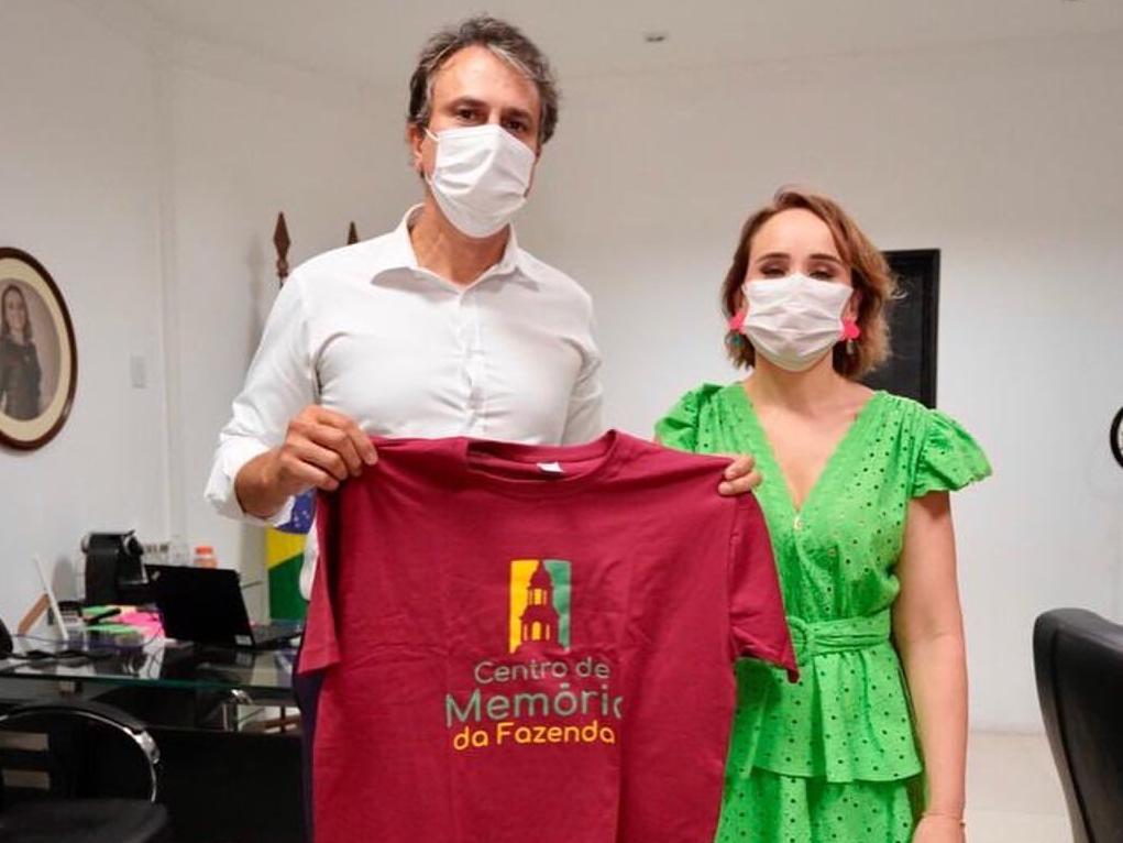 A secretária Fernanda Pacobahyba e o governador Camilo Santana (Foto: Reprodução)