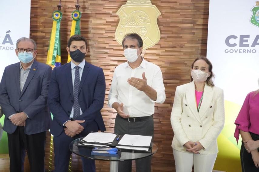 Camilo Santana assina memorando de entendimento que prevê transporte público movido a hidrogênio verde