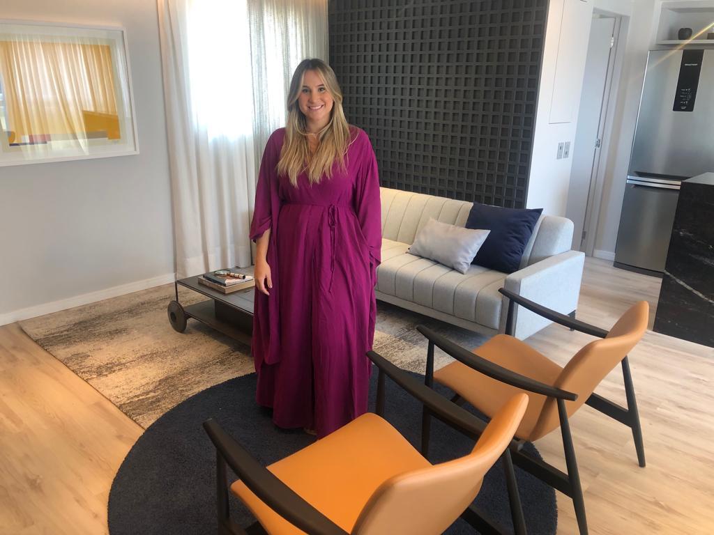 Roberta Fernandes apresenta projeto de apartamento desenvolvido por ela para o 'Visita'
