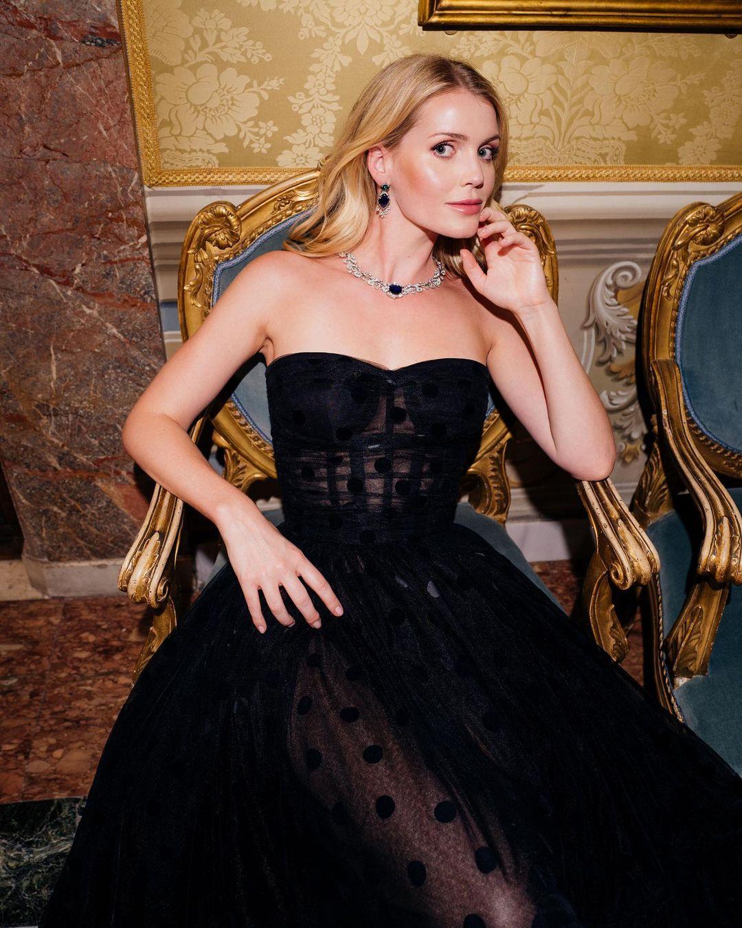 Entenda tudo sobre o estilo e os looks de Lady Kitty Spencer