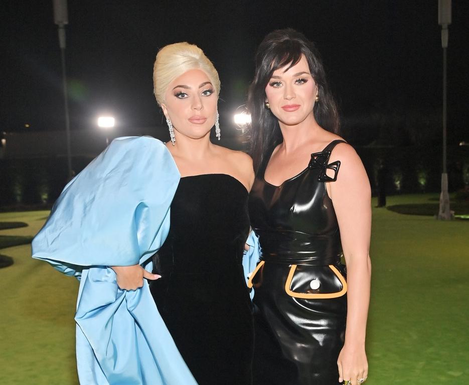 Katy Perry e Lady Gaga posam juntas em inauguração do Museu do Oscar; veja fotos