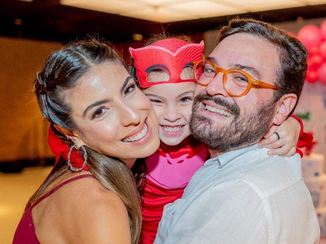 Patrícia Santiago e Alcimor Rocha celebram aniversário de 4 anos de Olívia