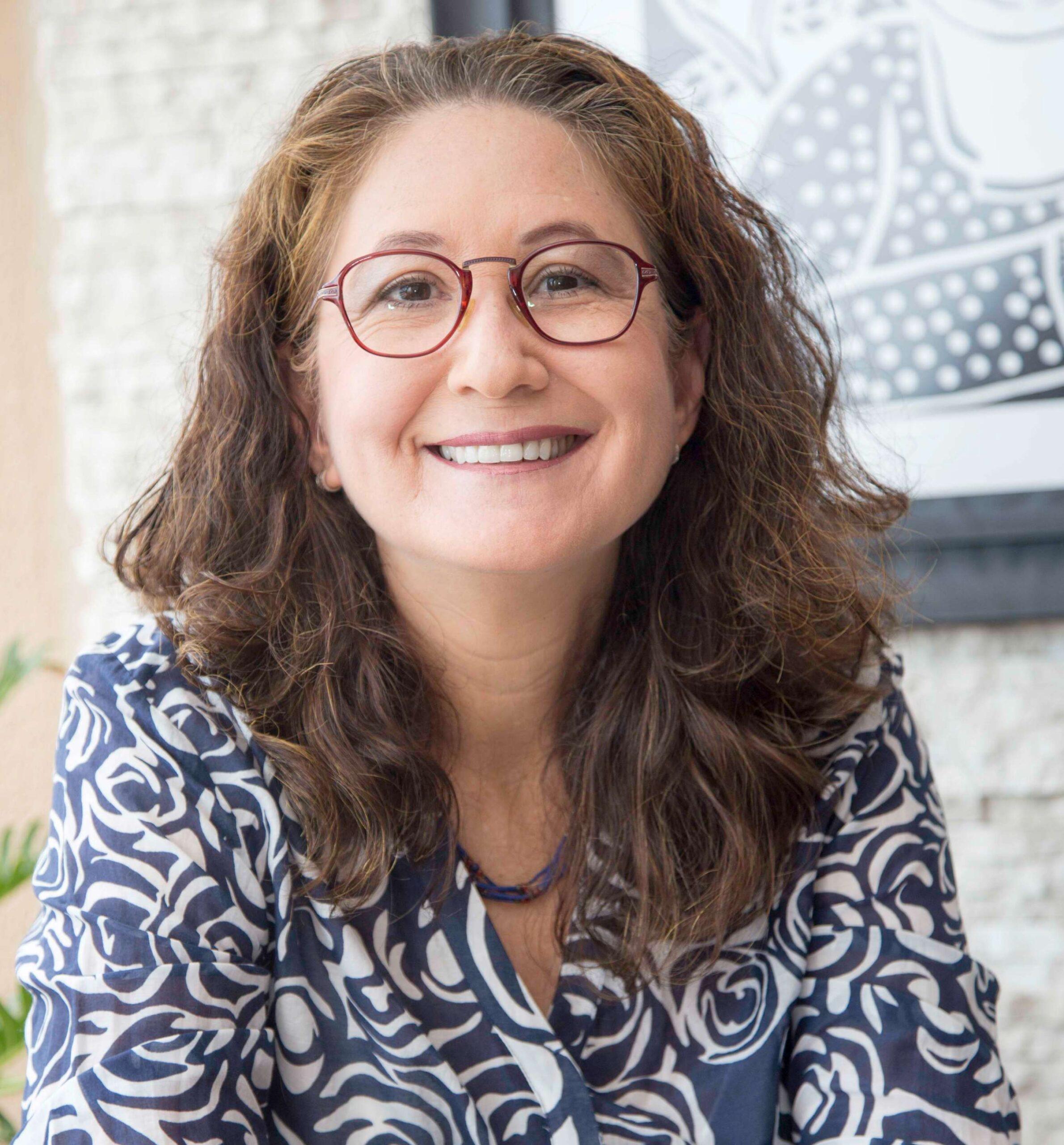 Paola Tôrres ministra palestra sobre prevenção ao câncer de mama em evento do Ibef Mulher
